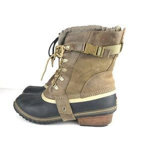 Sorel Conquest Carly Short Leather Snow Boots